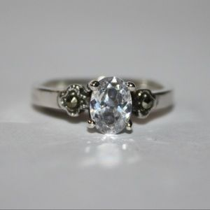 .925 Beautiful CZ and marcasite ring NWT